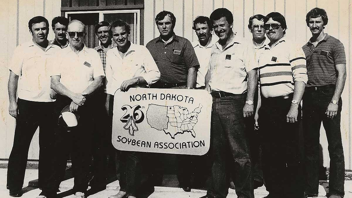 Leaders of the North Dakota Soybean Growers Association in 1984. From the left, David Holter, secretary; Curtis Hagert, treasurer; Wayne Colberg; Duane Berglund, NDSU; Gary Friskop; Gary Woodbury; Maynard Burchill; Paul Schroeder, president; Bruce Fadness; Tom Dolan; and Bob Sinner, vice president. Photo: North Dakota Soybean Growers Association.